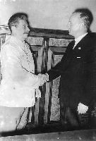 Stalin i Ribbentrop (Wikimedia Commons)