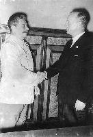 Stalin i Ribbentrop (Wikimedia Commons)